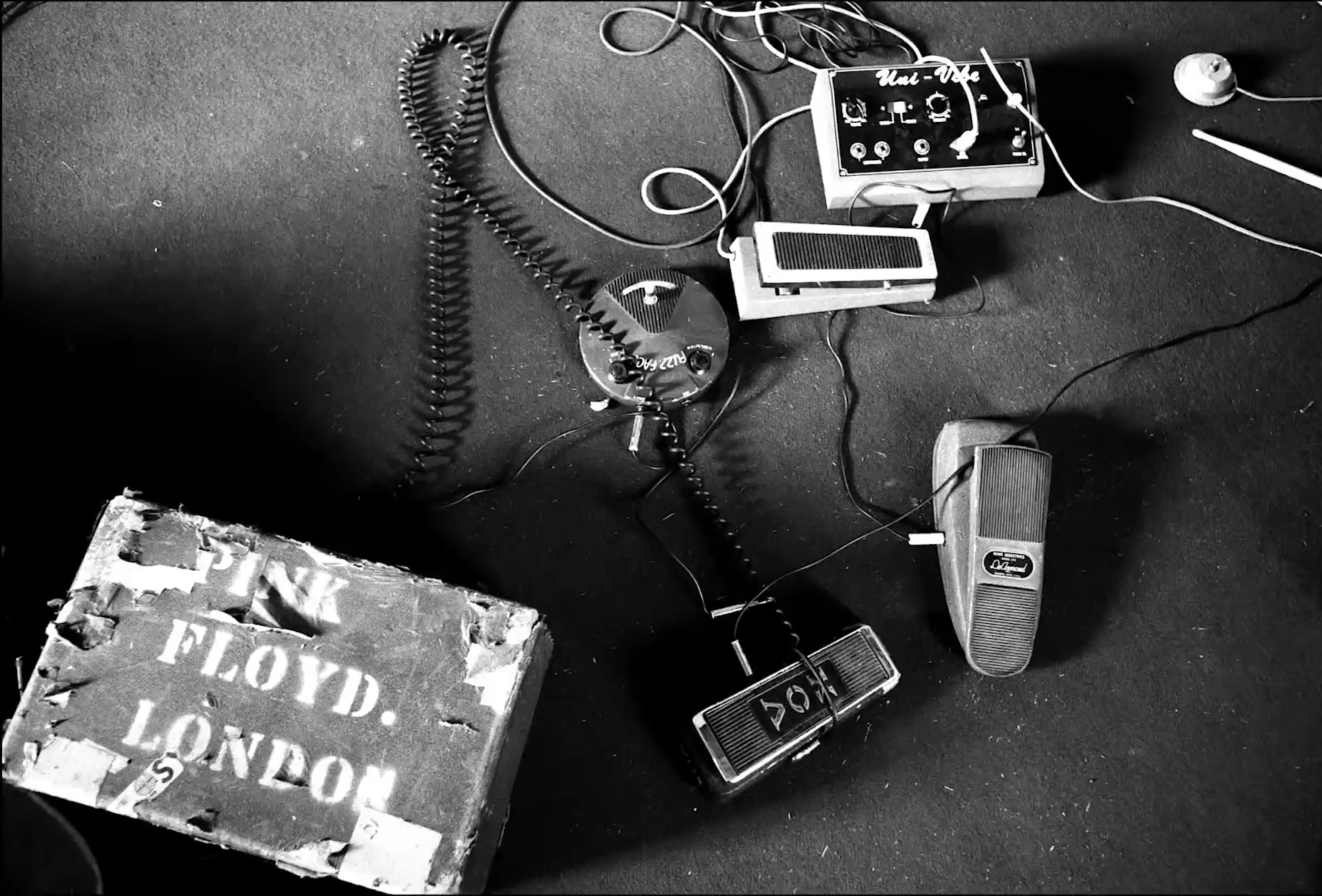 Lyrics: Wot's… Uh The Deal, accoglienza, sopravvivenza e cambiamento