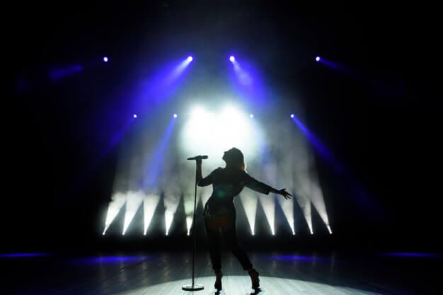 Perché dovremmo fare pace con la musica pop